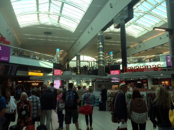 """El """"zoo"""" en la terminal Sur de Londres - Gatwick"""
