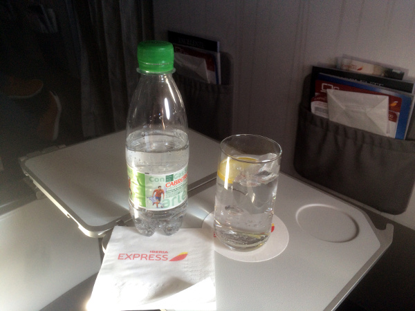 Agua con gas, clase business de Iberia Express