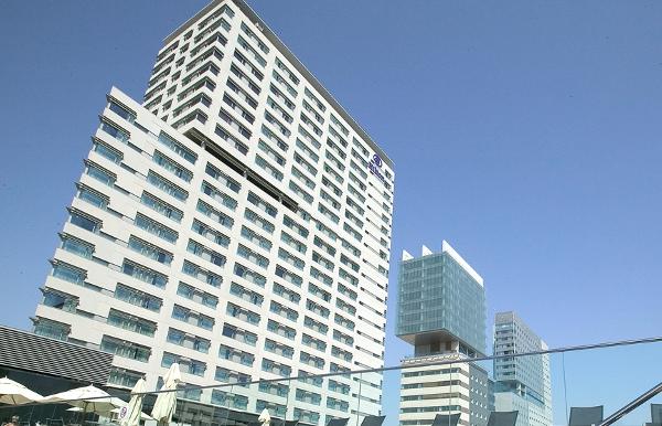 Hilton HHonors. Hilton Diagonal Mar. Categoría 5, 30.000-40.000 puntos HHonors.