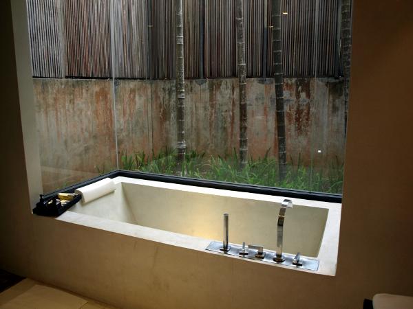 Veranda Chiang Mai: bañera de piedra.