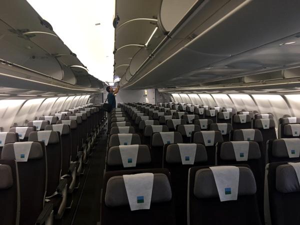 LEVEL A330-200 cabina turista.