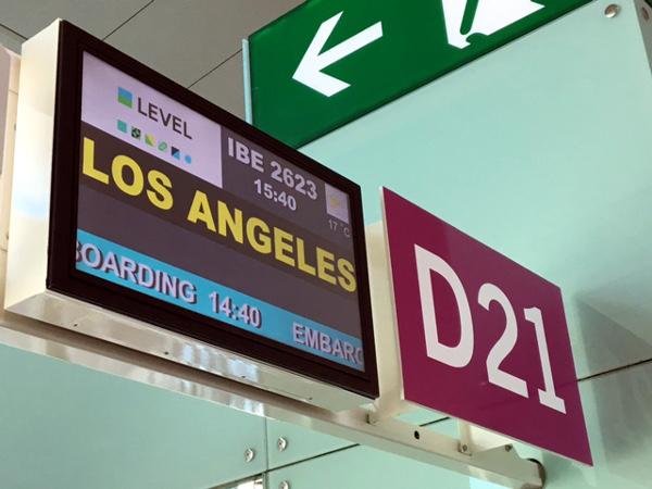 Puersta de embarque LEVEL IB2623 BCN-LAX D21 Barcelona T1.
