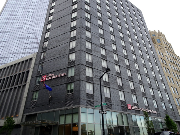 Hilton Garden Inn Long Island City: Fachada