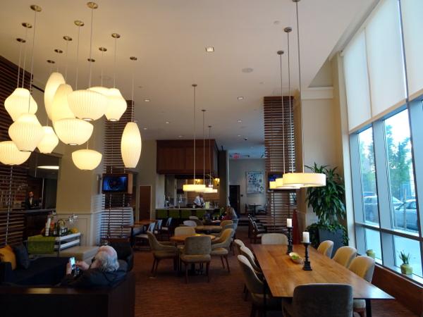 Hilton Garden Inn Long Island City: Bar