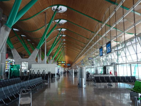 Terminal 4 Barajas. una obra de arte de Richard Rogers.