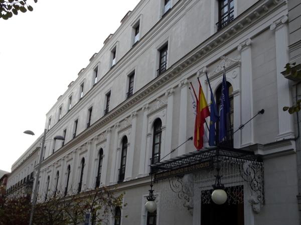 Fachada Gran Meliá Palacio de los Duques.