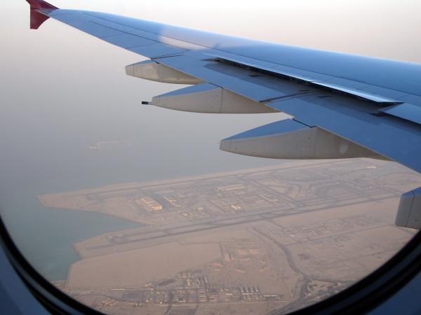 Desde el aire... aeropuerto de Doha.