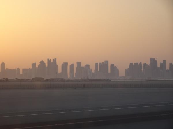 Tonos ocres durante el atardecer en Doha.