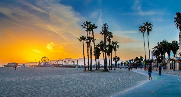 Los Ángeles +1.450 en Business en pleno verano desde España.