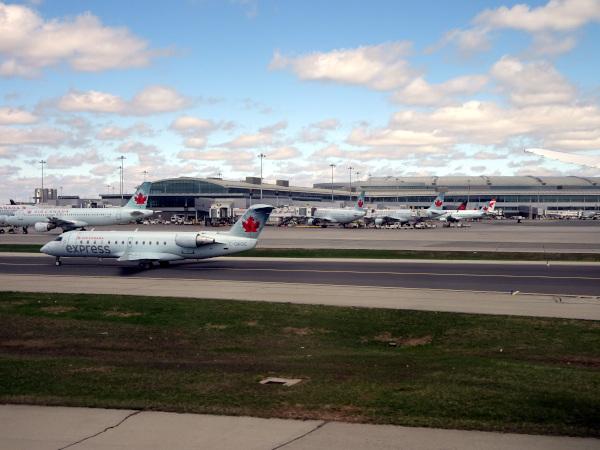 En el aeropuerto de Toronto Pearson, un hub de Air Canada.